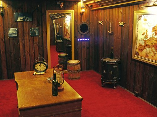 Old captain cabin